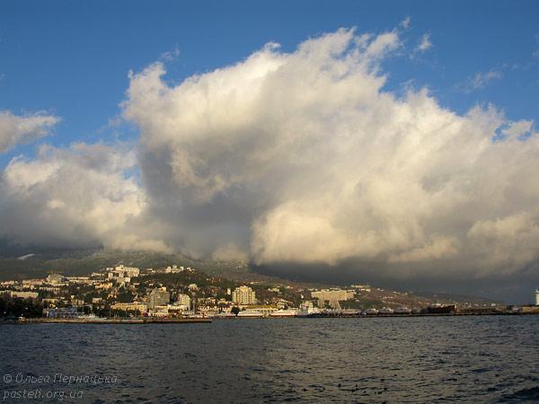 Хмара над Ялтою
